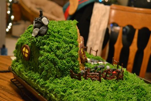 Hobbit hole cake side