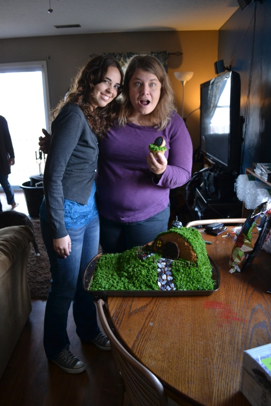 Hobbit Hole cake cupcake